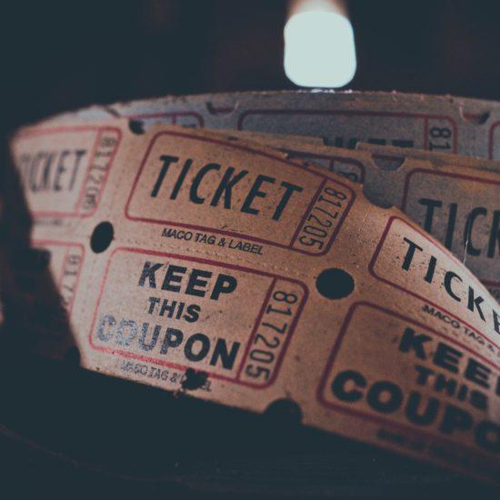 【映画好きなあなたへ】バンクーバーで映画をお得に見る方法!