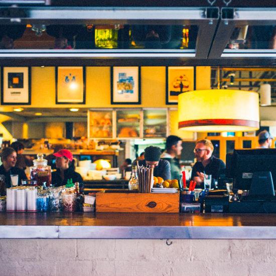 バンクーバーならではのおすすめ料理が食べられるお店3選