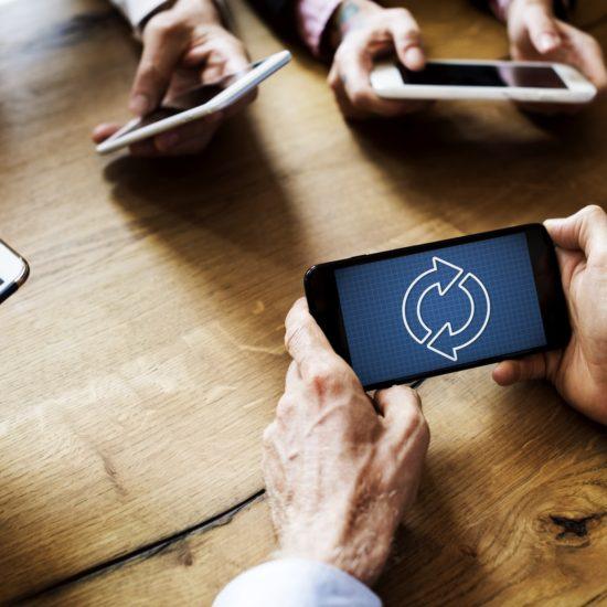 カナダ留学で携帯電話を使うために②〜キャリアの選び方【2018年度】