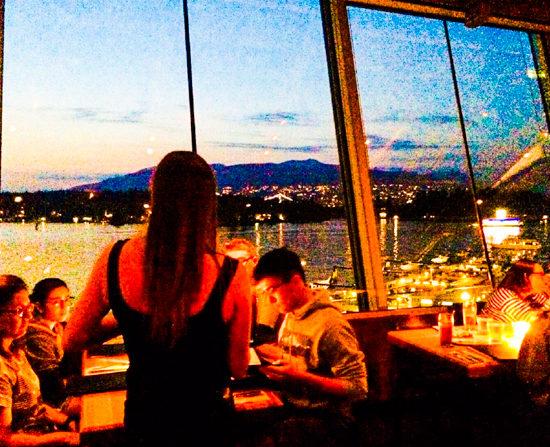 バンクーバーで海を一望できるレストラン【CACTUS CLUB – Coal Harbour店】